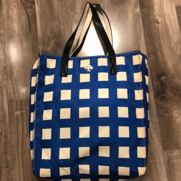kate spade Handbags - 🔥🔥KATE SPADE TOTE.